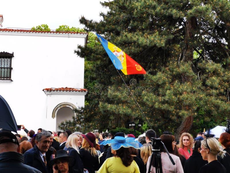 Ludzie świętują monarchia dzień w podwórzu Elisabeth pałac obraz royalty free