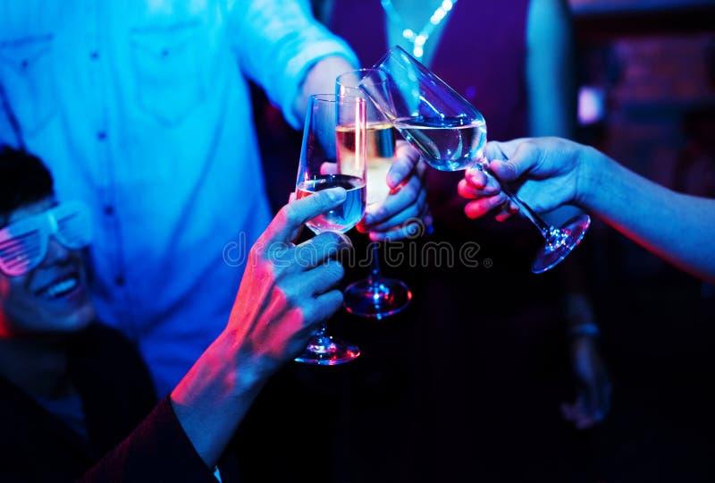 Ludzie świętuje w przyjęciu fotografia stock