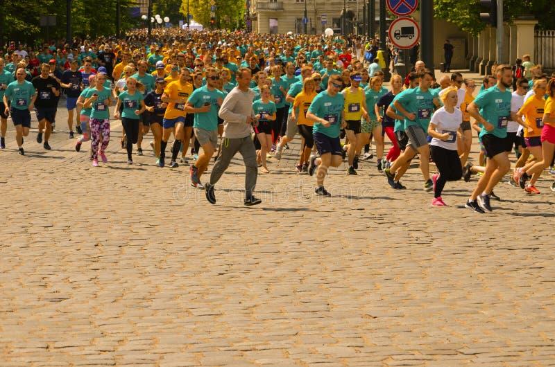 Ludzie biega dla najlepszy healht i dla sporta zdjęcia royalty free