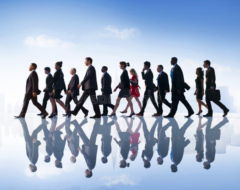 Ludzie Biznesu dojeżdżającego miasta Chodzącego pojęcia fotografia royalty free