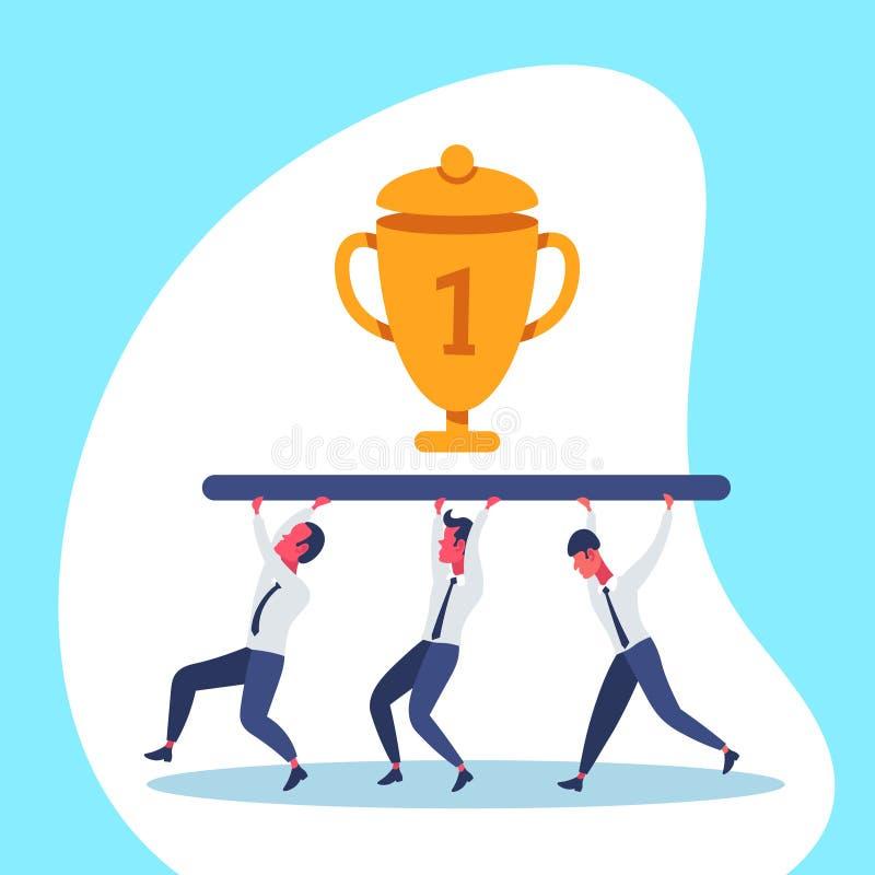 Ludzie biznesu drużyna niesie złotą trofeum filiżankę najpierw umieszczają zwycięzcy pojęcia pracy zespołowej biznesmena pomyślną ilustracja wektor