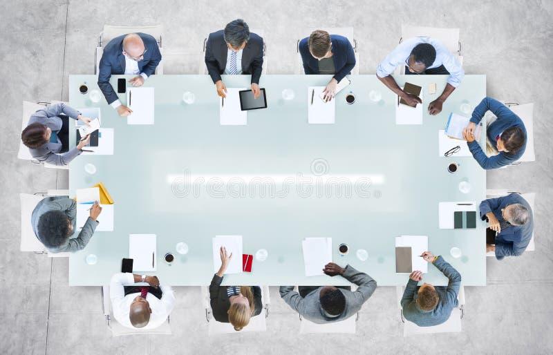 Ludzie biznesu ma spotkania w biurze fotografia stock