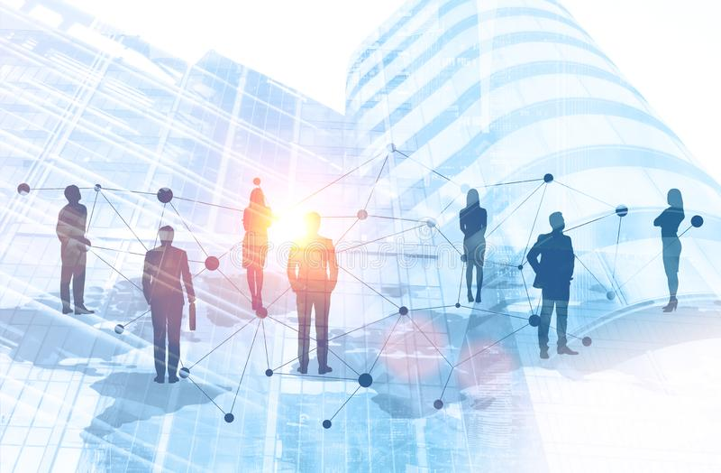 Ludzie biznesu na światowej mapy sieci w mieście fotografia royalty free
