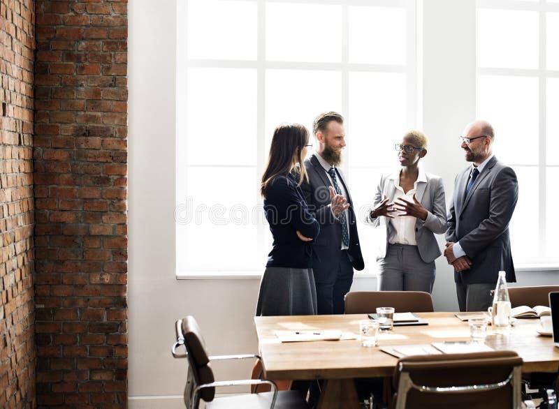 Ludzie Biznesu Spotyka dyskusi Pracującego pojęcie fotografia royalty free