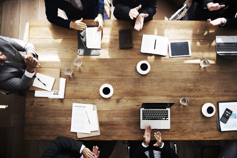 Ludzie Biznesu Spotyka Konferencyjnego Brainstorming pojęcie zdjęcia royalty free