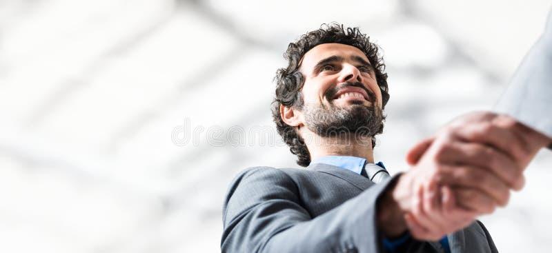 Ludzie biznesu uścisk dłoni Udziały copyspace zdjęcie royalty free