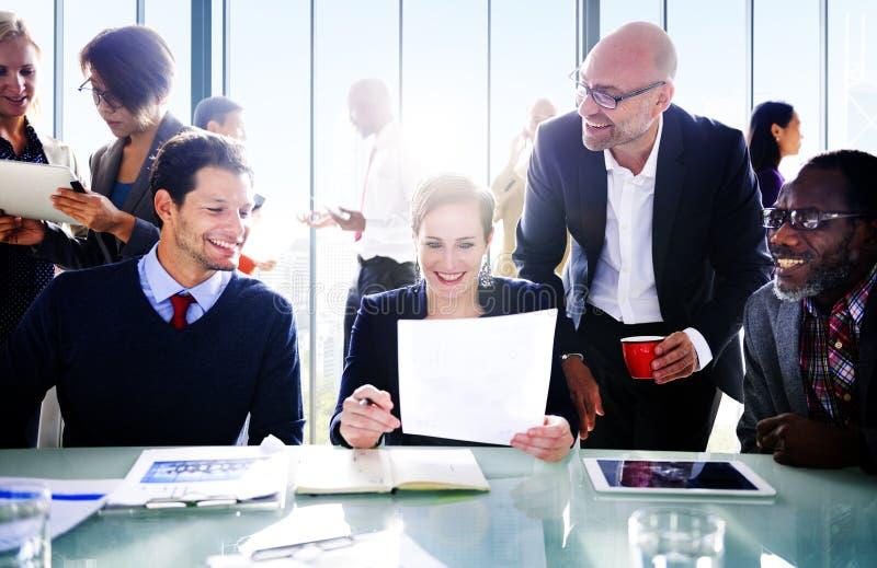 Ludzie Biznesu W sala konferencyjnej obrazy royalty free