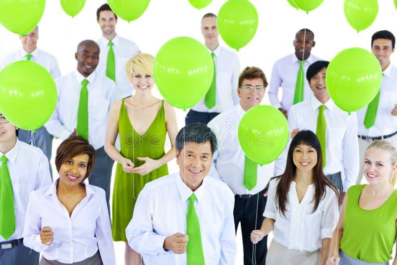 Ludzie Biznesu w Zielonym Biznesowym spotkaniu zdjęcia stock