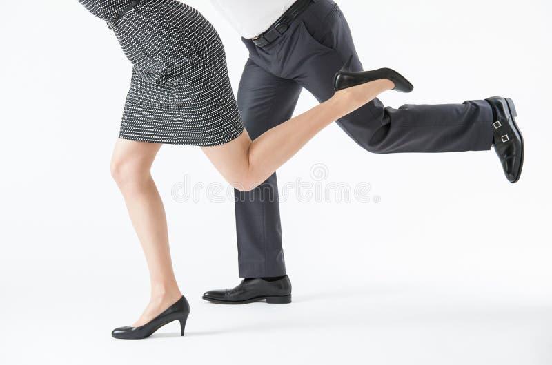 Ludzie biznesu współzawodniczyć zdjęcia stock
