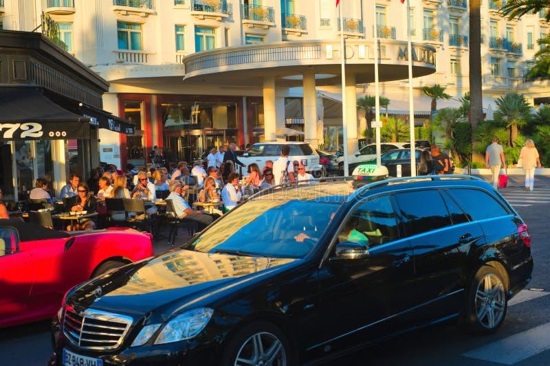 Ludzie chłodzi w Cannes obrazy royalty free