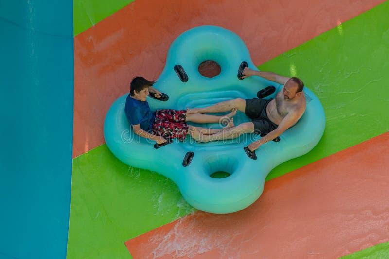 Ludzie cieszy się Kare Kare kędzioru wody przyciąganie przy Aquatica 1 obrazy royalty free