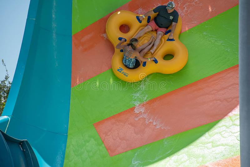 Ludzie cieszy się Kare Kare kędzioru wody przyciąganie przy Aquatica 8 fotografia royalty free