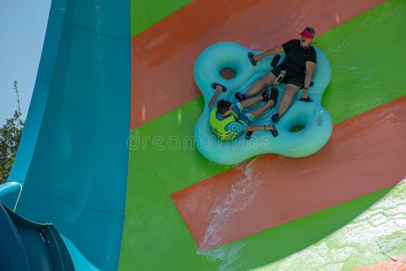 Ludzie cieszy się Kare Kare kędzioru wody przyciąganie przy Aquatica 2 zdjęcia royalty free