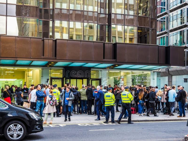 Ludzie czeka Corbyn w Londyn, hdr zdjęcia stock