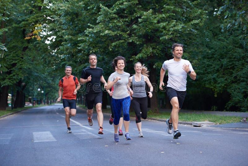 Ludzie grupują jogging fotografia royalty free