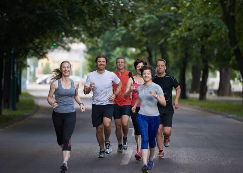 Ludzie grupują jogging zdjęcia stock