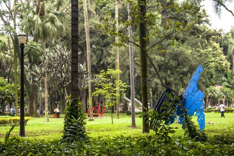 Ludzie na Luzu Jawnym parku zdjęcie stock