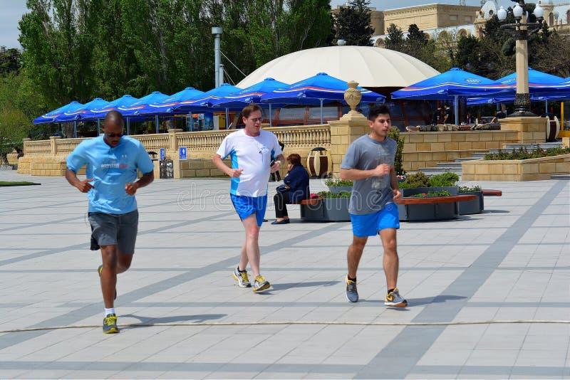 Download Ludzie Na Ulicach, Baku Miasto, Azerbejdżan Zdjęcie Stock Editorial - Obraz złożonej z kapitał, ulicy: 53777303