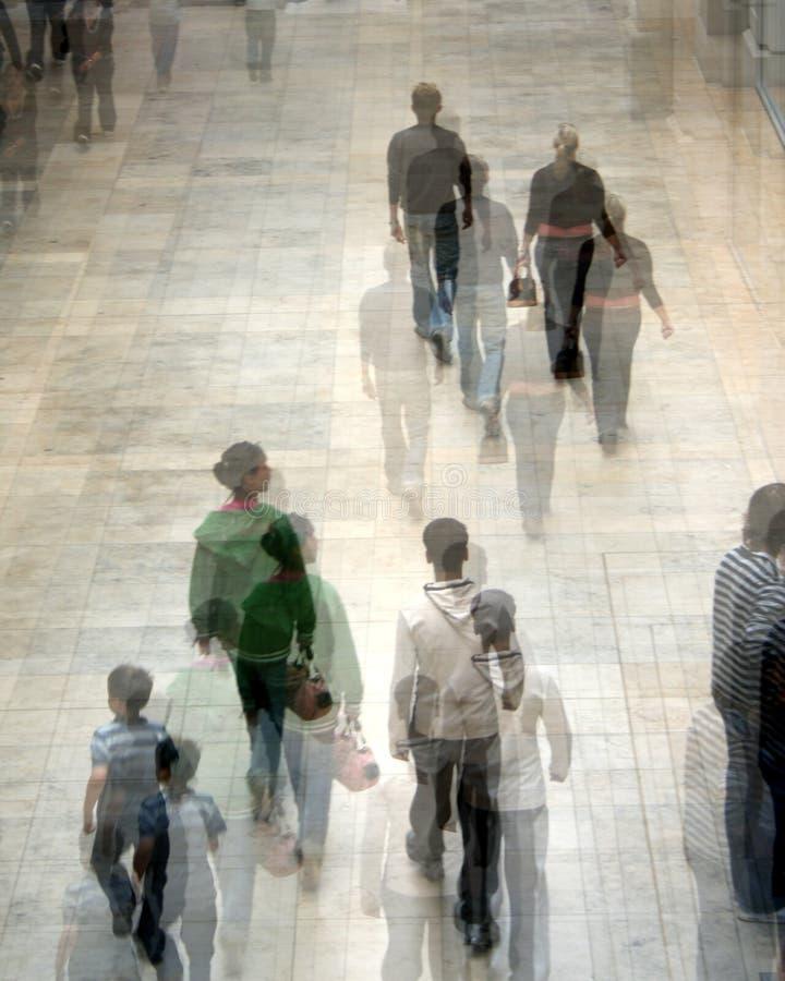 ludzie na zakupy. zdjęcie stock