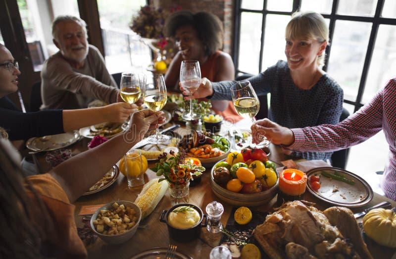 Ludzie otuch Świętuje święta dziękczynienia pojęcie zdjęcie royalty free