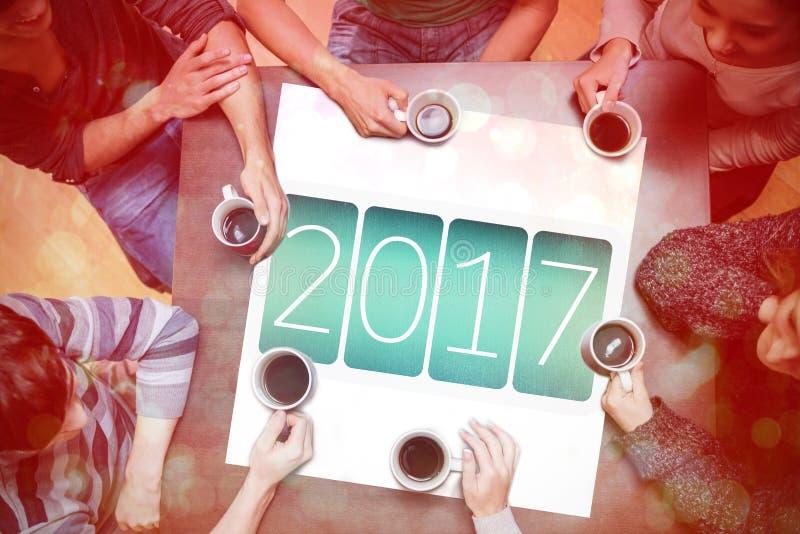 Ludzie pije kawę wokoło nowy rok wiadomości ilustracja wektor
