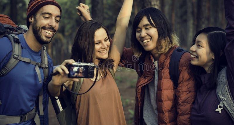 Ludzie przyjaźni meliny Podróżnego miejsca przeznaczenia Trekking kamery obrazy stock