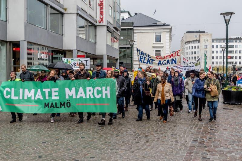 Ludzie ` s klimatu Marzec Malmö obraz stock