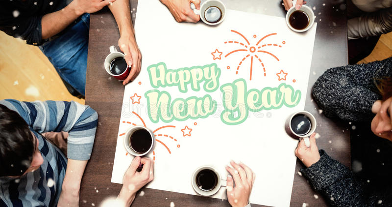 Ludzie siedzi wokoło stołu pije kawę przeciw nowy rok grafice ilustracja wektor