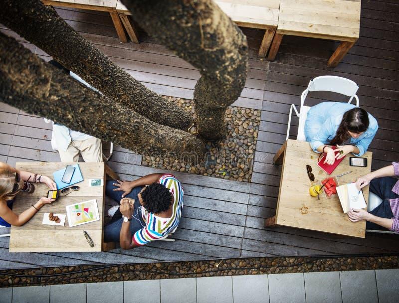 Ludzie Spotyka Brainstorming dyskusi Korporacyjnego pojęcie zdjęcia royalty free