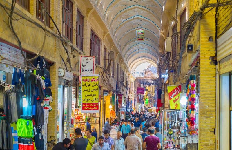 Ludzie Teheran Uroczystego bazaru, Iran zdjęcia royalty free