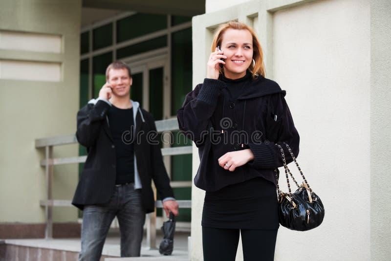 ludzie telefonów potomstw zdjęcie stock