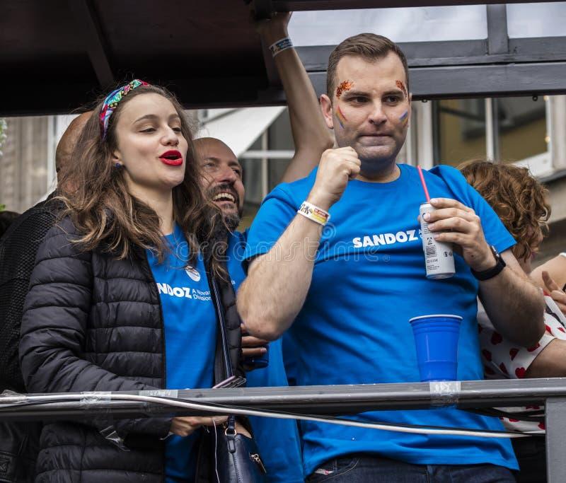 2019: Ludzie uczęszcza Gay Pride na pławiku paradują także znają jako Christopher dnia Uliczny CSD w Monachium, Niemcy zdjęcia stock
