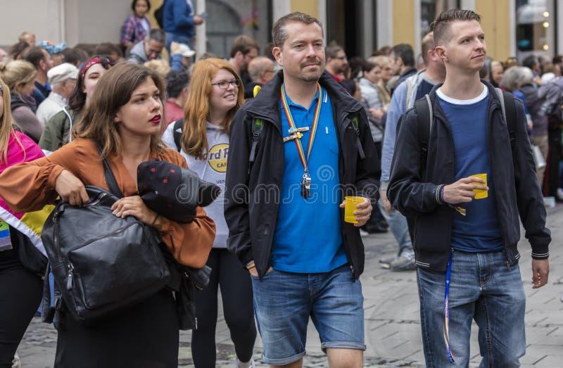 2019: Ludzie uczęszcza Gay Pride paradują także znają jako Christopher dnia Uliczny CSD w Monachium, Niemcy obraz royalty free
