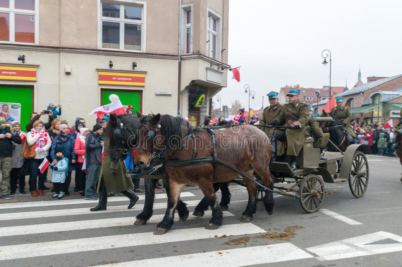 Ludzie w dziejowych żołnierzach mundurują na 100th rocznicie Polski dzień niepodległości zdjęcie royalty free