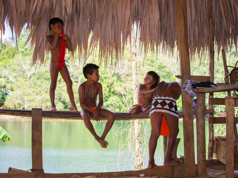 Ludzie w EMBERA wiosce, PANAMA obrazy stock