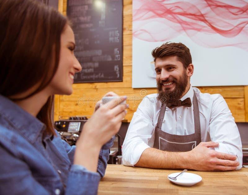 Ludzie w kawiarni obraz stock