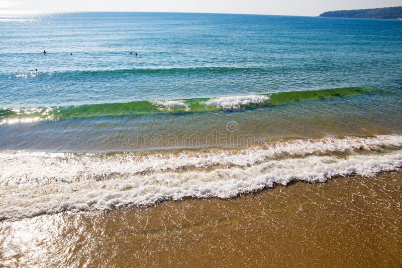 Ludzie w morzu no są prawdziwi głębocy zdjęcie royalty free