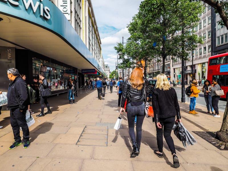 Ludzie w Oksfordzkiej ulicie w Londyn, hdr obraz royalty free