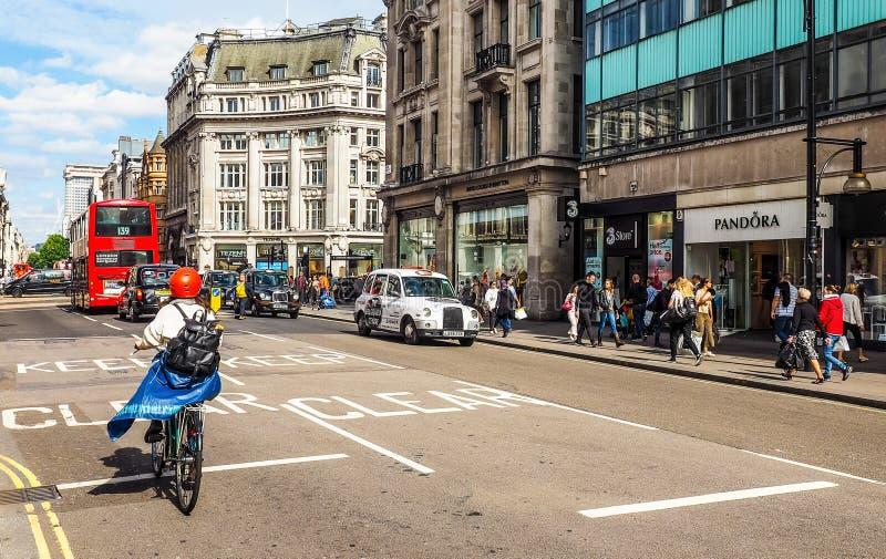 Ludzie w Oksfordzkiej ulicie w Londyn (hdr) obraz royalty free