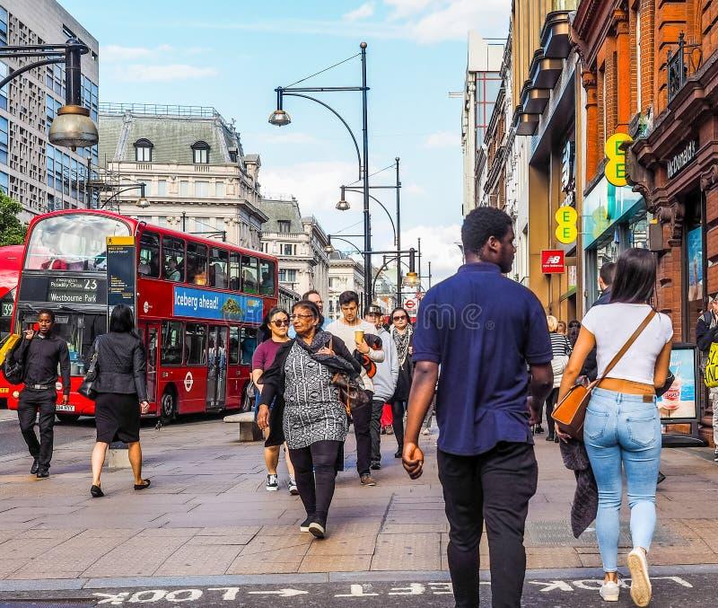 Ludzie w Oksfordzkiej ulicie w Londyn (hdr) zdjęcia stock