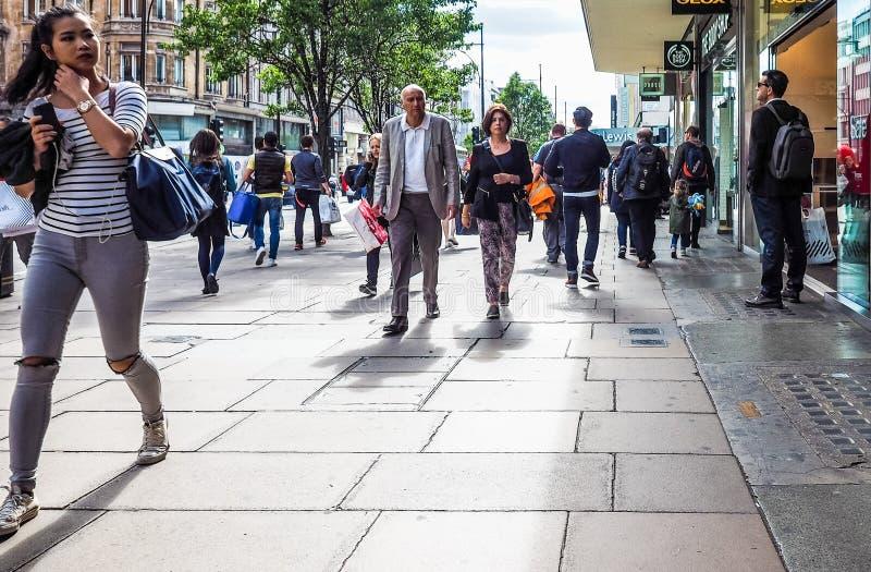 Ludzie w Oksfordzkiej ulicie w Londyn (hdr) obrazy stock