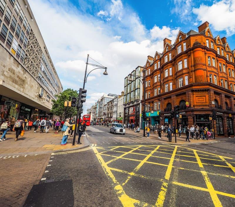 Ludzie w Oksfordzkiej ulicie w Londyn (hdr) fotografia royalty free