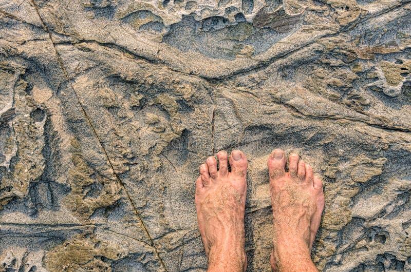 Ludzki barefeet na Kamiennym tle obrazy stock