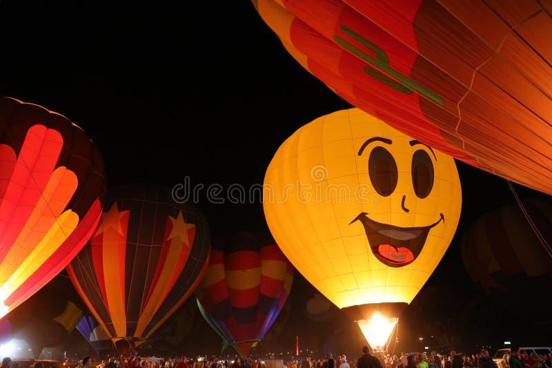 Lueur chaude de ballons à air photos stock