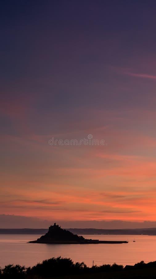 Lueur rouge, St Michaels Mount, Marizion, les Cornouailles photos libres de droits