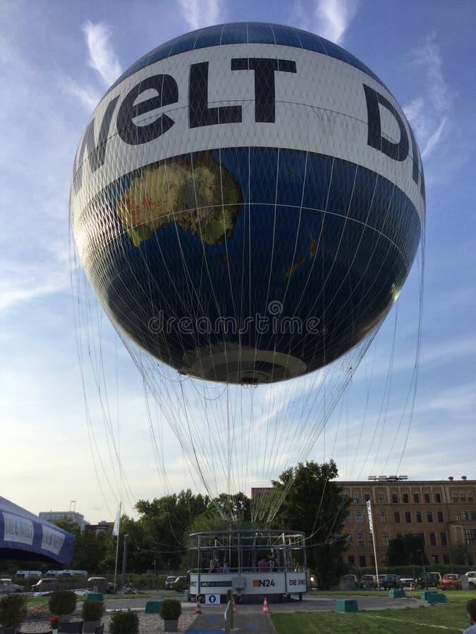 Luft-Ballon 'Weltballon' Berlin Germany lizenzfreies stockbild