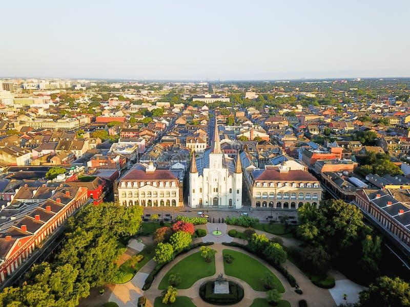 Luft-Jackson Square Saint Louis Cathedral-Kirche in neuem Orlean stockfotos