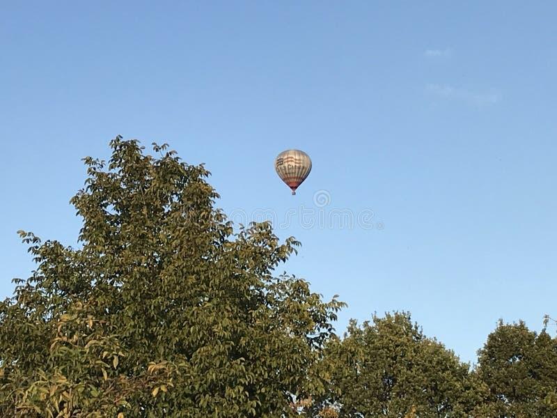 Lufta ballongen royaltyfria bilder