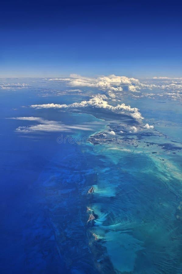 Luftaufnahme über den Karibischen Meeren stockbilder