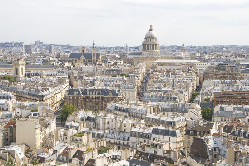 Luftaufnahme über Paris lizenzfreie stockbilder